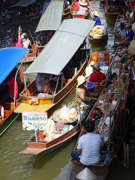 damnoen-saduak-floating-market-546273