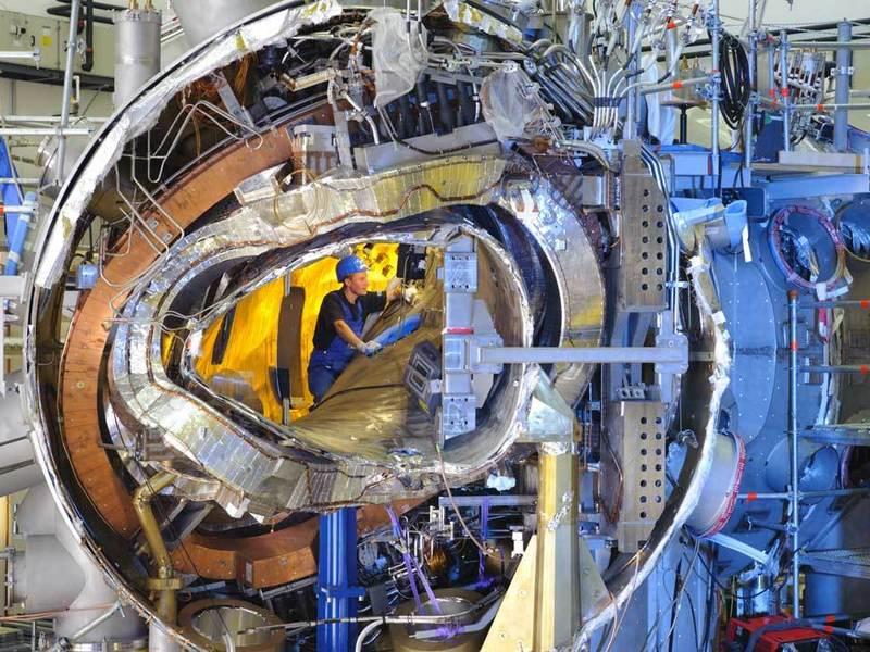 Wnętrze komory stellaratora (stella - łac. gwiazda) Wendelstein 7-X. Zdjęcie: Max-Planck-Institut für Plasmaphysik.