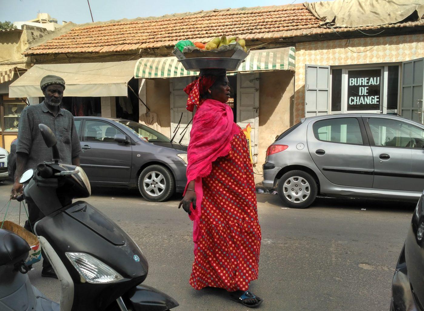 020 Dakar - wszystko nosi się tu na głowie