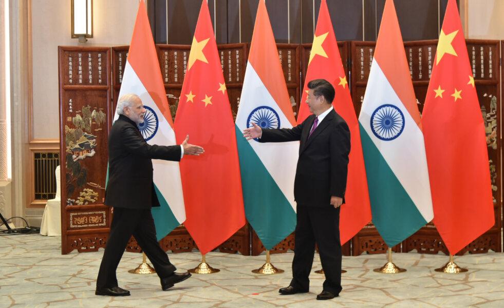Tomasz OKRASKA: W pogoni za smokiem. Indie wobec Chińskiej Republiki Ludowej