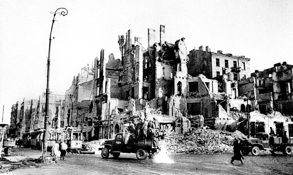 Roger MOORHOUSE: Nigdy uczciwie nie rozliczono tej wojny