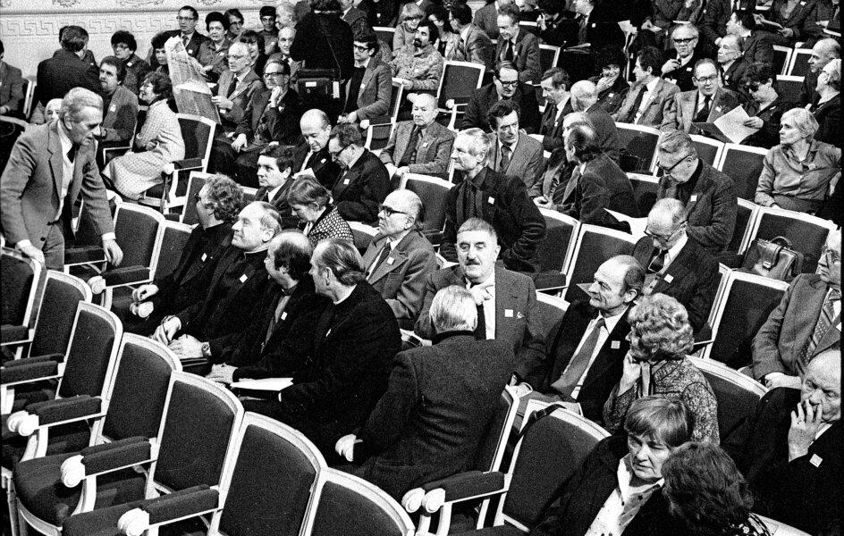 Jan ROKITA: Intelektualiści na służbie
