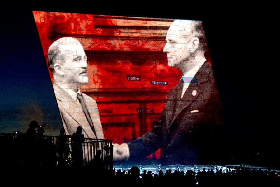 Prof. Richard J. EVANS: Pakt Ribbentrop-Mołotow. Pierwszy krok w kierunku wyniszczenia narodu polskiego